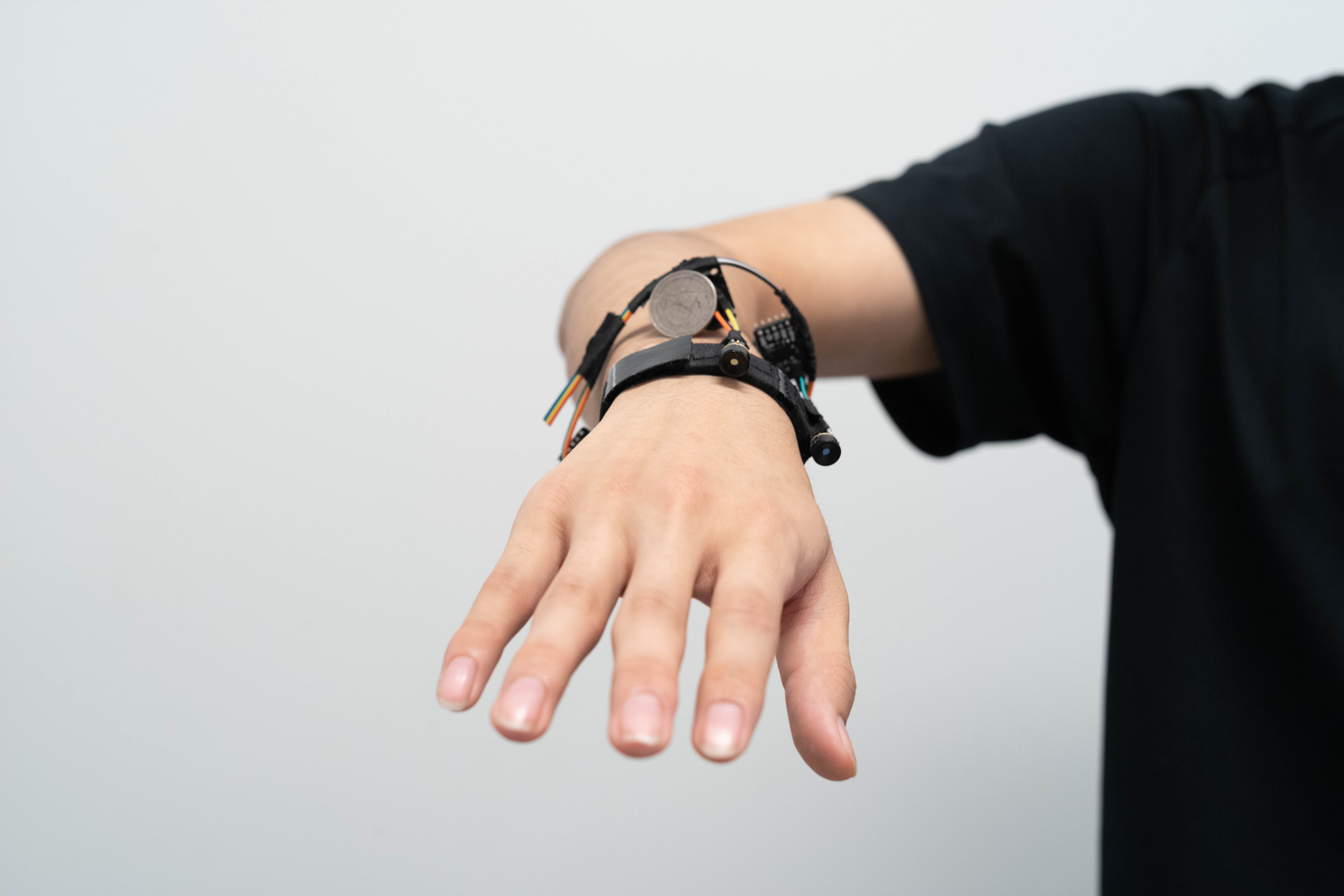 The FingerTrak bracelet